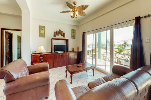 Suite E202 @ Mara Laguna -  Vacation Rental - Photo 1