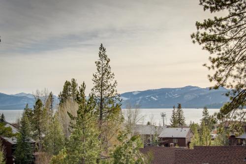 Tahoe City Retreat -  Vacation Rental - Photo 1