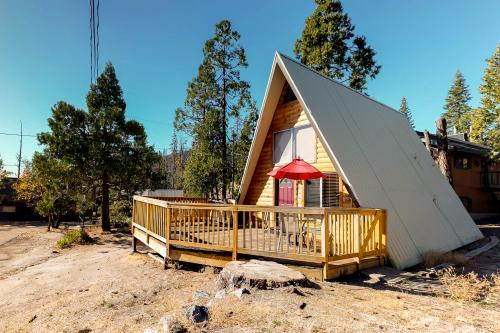 Cozy Bear Chalet - Shaver Lake, CA Vacation Rental