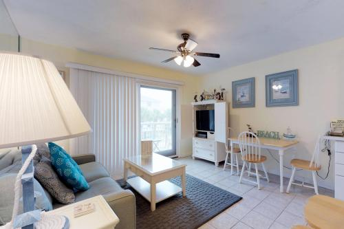 Breakers 220 -  Vacation Rental - Photo 1