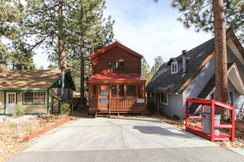 Sugarbear Cottage -  Vacation Rental - Photo 1