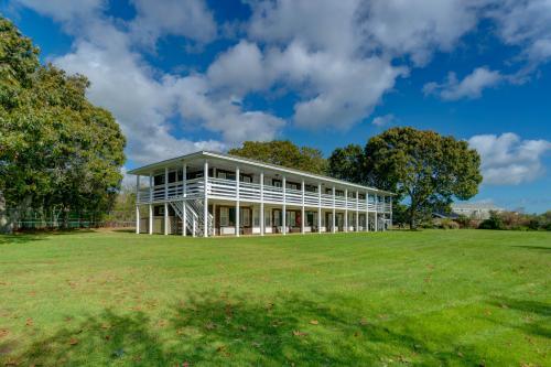 Island Inn - 20D - Oak Bluffs, MA Vacation Rental