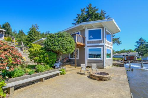 Calm Waters Home and Guest Cottage - Otis, OR Vacation Rental
