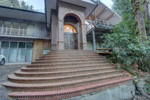 Hillside Retreat and Meeting Center - Welches Vacation Rental