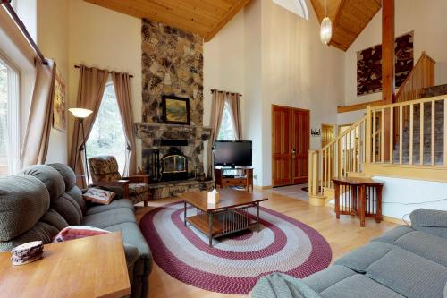 Granite Ridge Retreat -  Vacation Rental - Photo 1