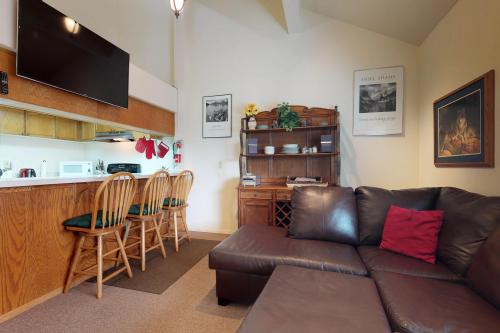 Eagle's Landing Condo 68 - Lakeshore, CA Vacation Rental