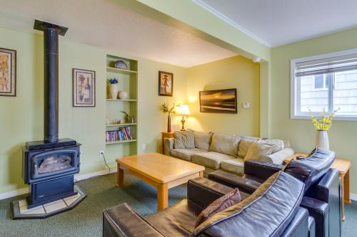 The Pearl (Main house only) - Seaside, OR Vacation Rental