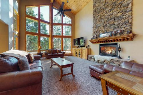 Littleridge Lodge - Shaver Lake, CA Vacation Rental