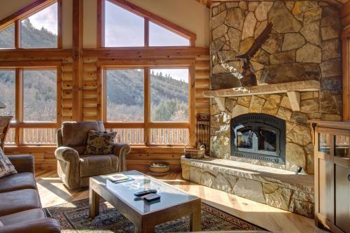 Hawk Perch -  Vacation Rental - Photo 1