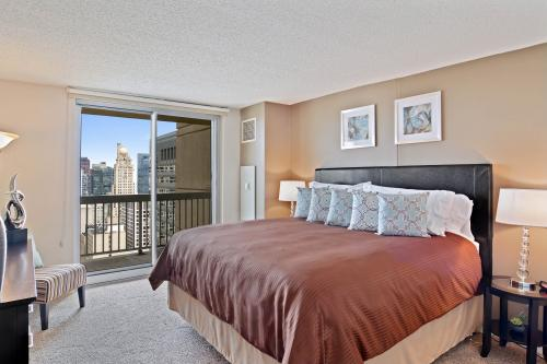 Magnificent Mile Majesty -  Vacation Rental - Photo 1