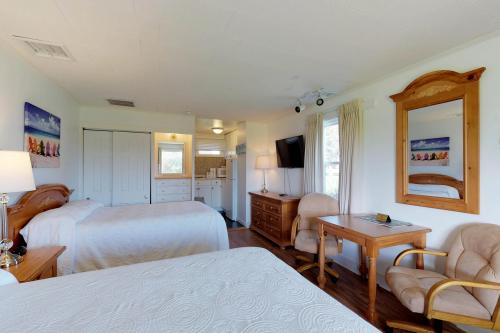 Island Inn - 7C -  Vacation Rental - Photo 1