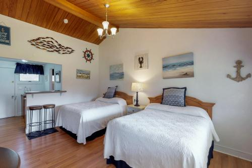 Island Inn - 23F -  Vacation Rental - Photo 1