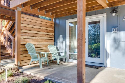 Le Petit Cabine - Oceanside, OR Vacation Rental