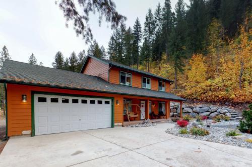 Leavenworth Bound -  Vacation Rental - Photo 1