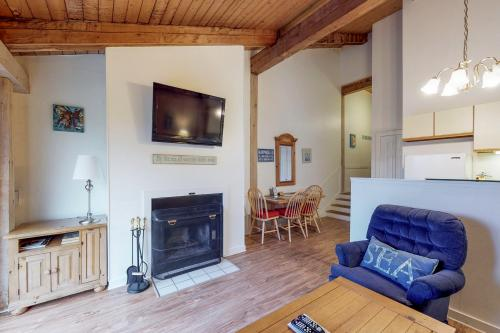 Island Inn - 40G -  Vacation Rental - Photo 1