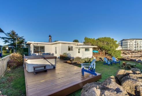 Bayfront Bungalow -  Vacation Rental - Photo 1
