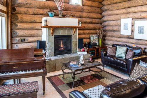 Log Crest -  Vacation Rental - Photo 1