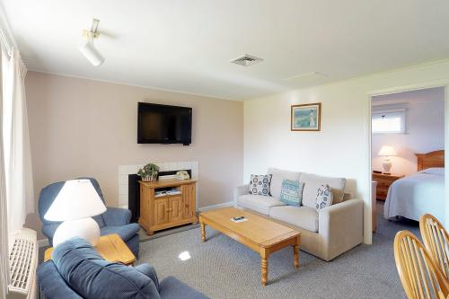 Island Inn - 2A -  Vacation Rental - Photo 1