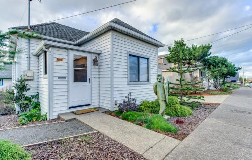 Art District Cottage in Nye Beach - Newport, OR Vacation Rental