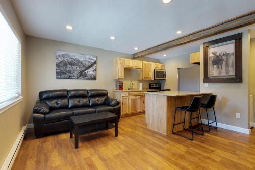 Quandary Condo - Blue River, CO Vacation Rental