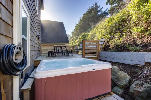 Knot a Care -  Vacation Rental - Photo 1