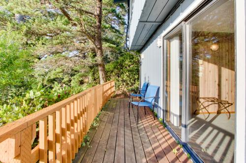 Sunset Suite Unit #1 - Otter Rock, OR Vacation Rental