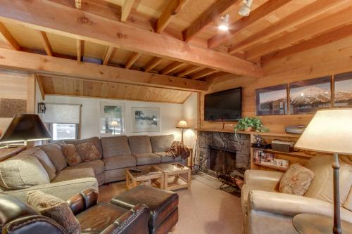 Ranch Cabin 12 | Discover Sunriver -  Vacation Rental - Photo 1