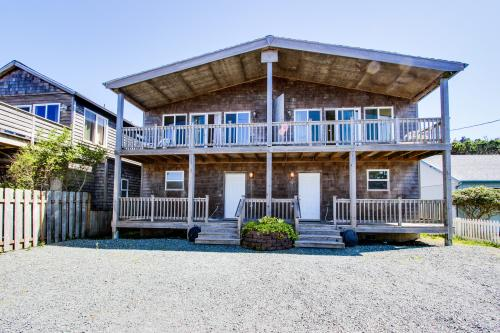Park Place & Boardwalk - Rockaway Beach, OR Vacation Rental