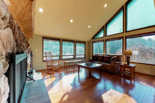 Meadows and Mountain Retreat -  Vacation Rental - Photo 1