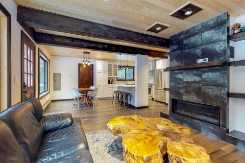 Creekside Cabin - Cle Elum, WA Vacation Rental