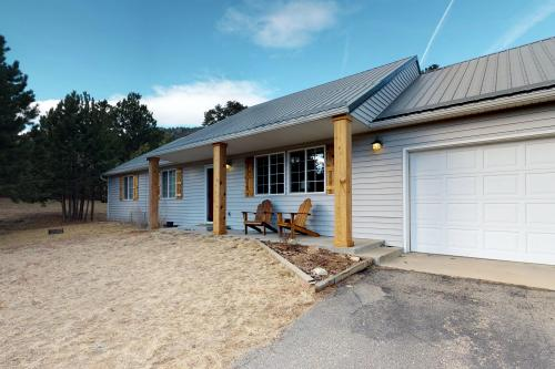 Morgan Pine House -  Vacation Rental - Photo 1