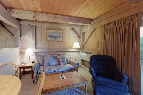 Island Inn - 39G -  Vacation Rental - Photo 1