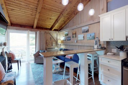 Island Inn - 41G -  Vacation Rental - Photo 1