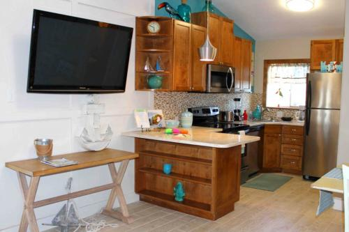 Anchor Resort 204 -  Vacation Rental - Photo 1