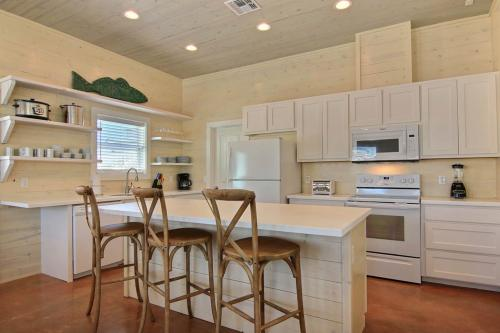 A Shore Thing in Gulf Village -  Vacation Rental - Photo 1
