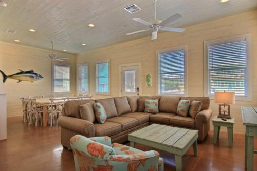 High Tides and Good Vibes in Gulf Village -  Vacation Rental - Photo 1