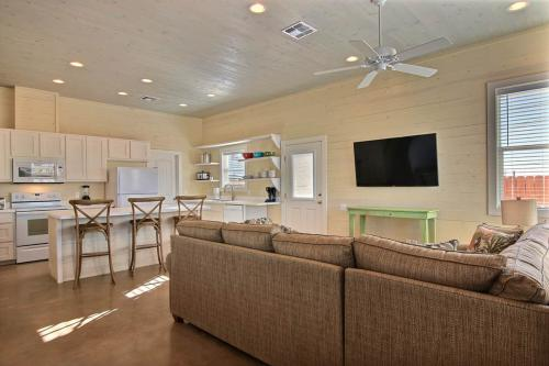 Any Fin Goes in Gulf Village -  Vacation Rental - Photo 1