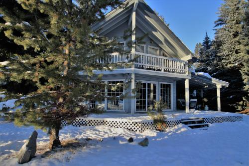 Golf Course Retreat -  Vacation Rental - Photo 1