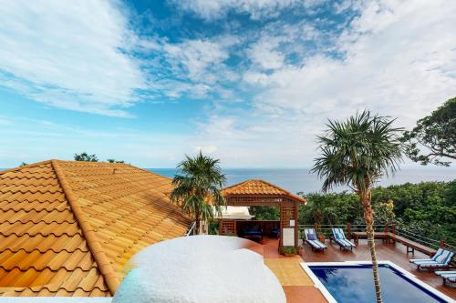 Belvedere Villa - West Bay, Honduras Vacation Rental