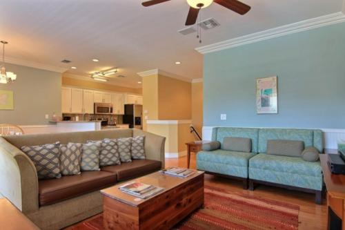 Las Palmeras Salt Breezes - Port Aransas, TX Vacation Rental