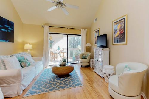Colonnade Club 204 -  Vacation Rental - Photo 1