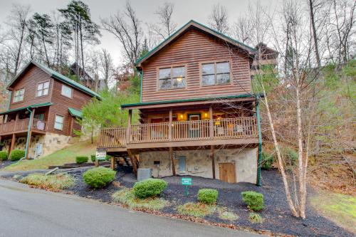 Arrowhead Log Cabin Resort: Absolute Dream Cabin -  Vacation Rental - Photo 1