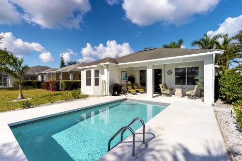 Lakeside Oasis - Naples, FL Vacation Rental