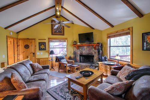 Arthur's Retreat Cabin -  Vacation Rental - Photo 1