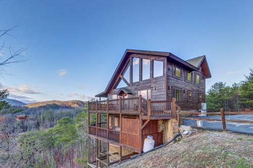 Majestic Splendor Cabin -  Vacation Rental - Photo 1