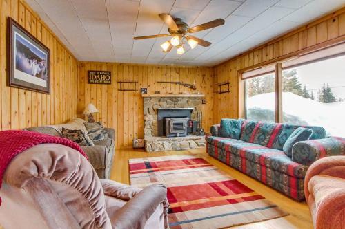 The Buckhorn Cabin -  Vacation Rental - Photo 1