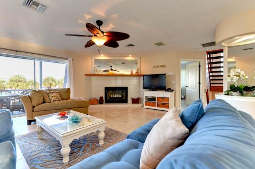 All Decked Out - Anna Maria, FL Vacation Rental