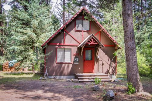 Huckleberry Riverfront Cabin -  Vacation Rental - Photo 1