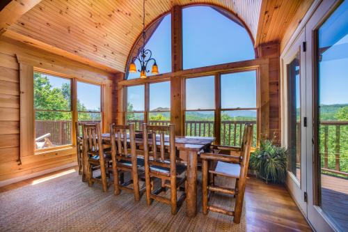 Red Wolf Lodge Cabin - Sevierville, TN Vacation Rental