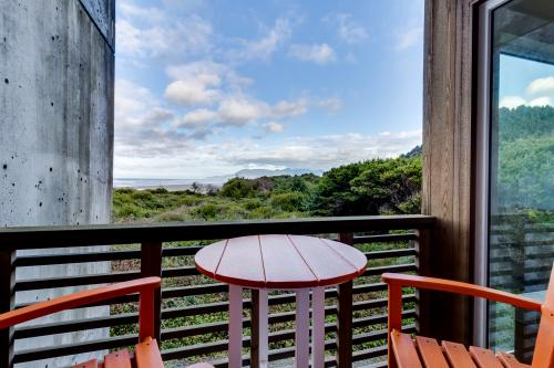 The Oyster Bay Condo #107 -  Vacation Rental - Photo 1